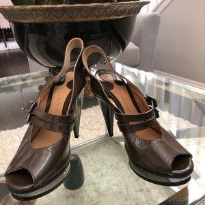 Chloe horseshoe shaped patent leather heels